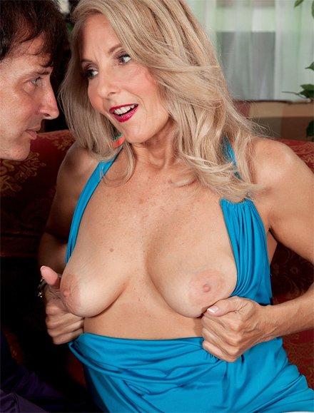 Eva ebony ethnic female amateur beautiful nude hardcore