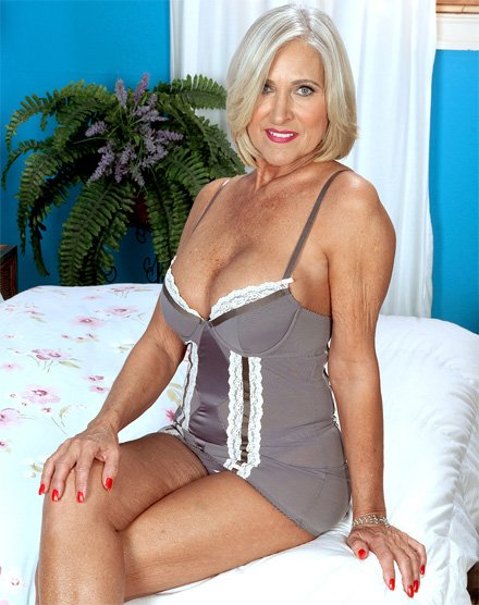 Mature 50 plus milf